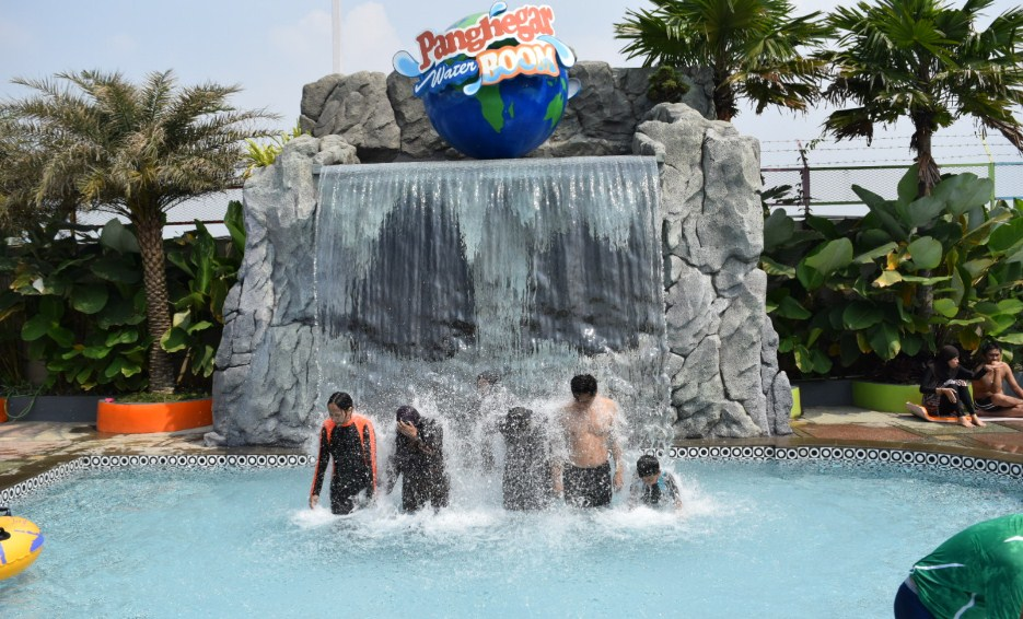 panghegar-waterboom.jpg